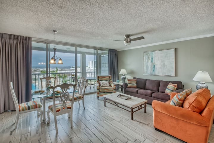 Free Daily Beach Service | Updated Resort Condo in the Heart of Destin