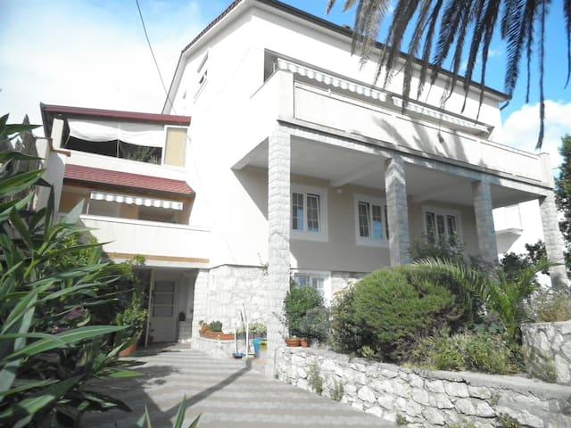 TH02845 Aparment Pende / Four bedrooms BANJOL - Banjol - Apartment
