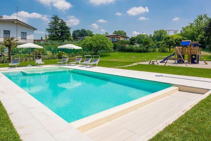 Villa Mattarana-appartamento con giardino, piscina