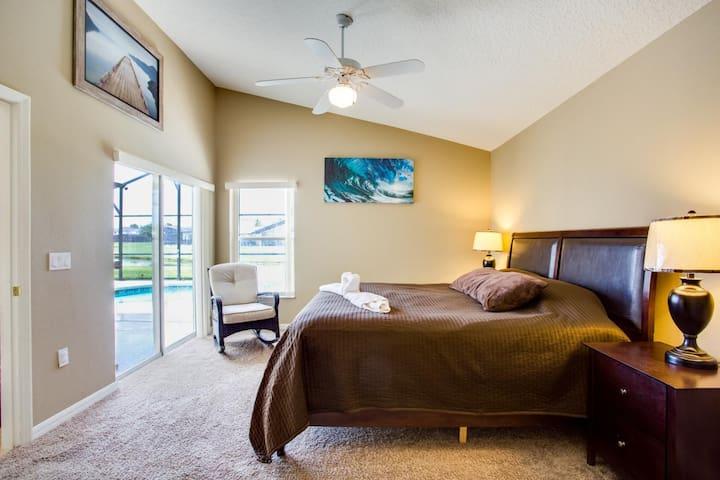Master Bedroom-Full Ensuite