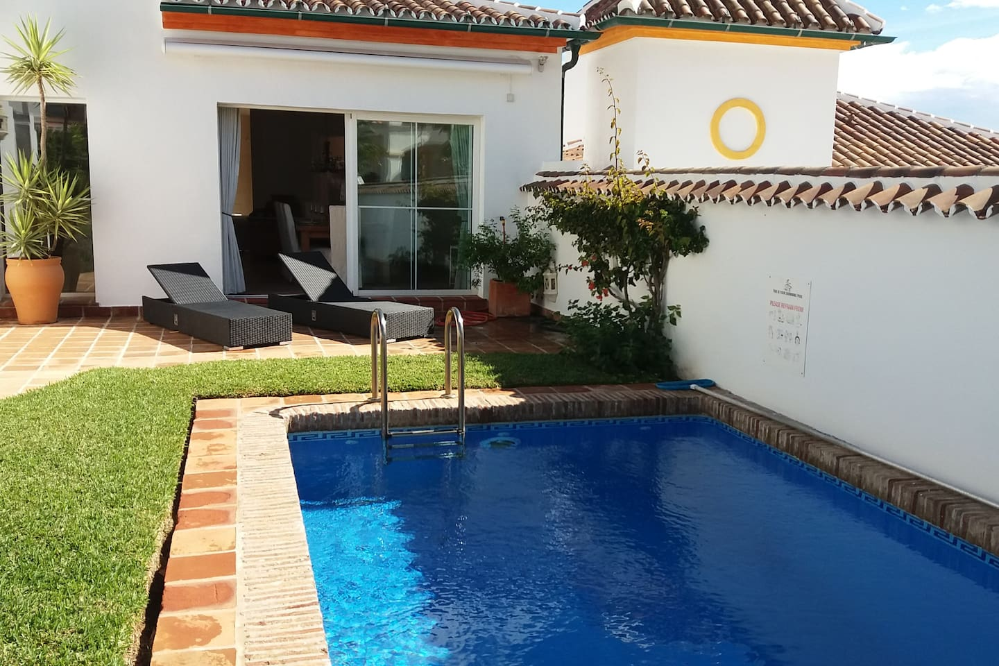 There is a private garden with its own pool.