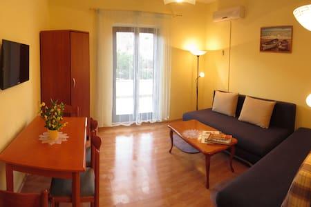 Apartman Vila Blanka (2+2 ppl) - Sutivan - Wohnung