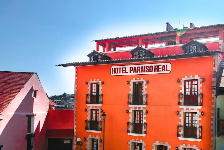 Paraiso Real (Hotel in down town)