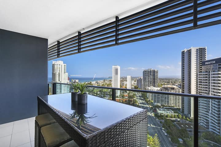 Gorgeous, modern 2 bed 1 bath apartment with amazing view @ Oracle Broadbeach