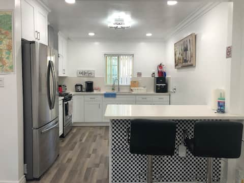 Completely renovated apartment near downtown L.A.