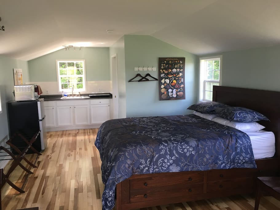 Hickory floors and Amish built oak furniture; queen bed with optional folding beds (not shown)