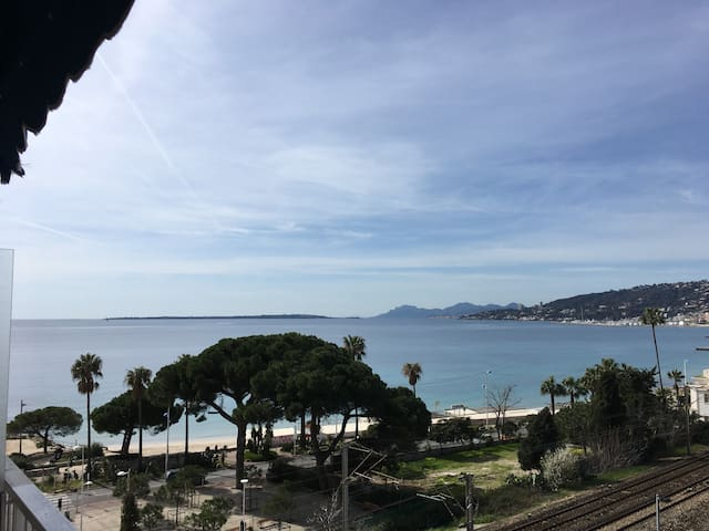 New studio&terrasse, view sunset-sea central cost - Antibes - Apartamento