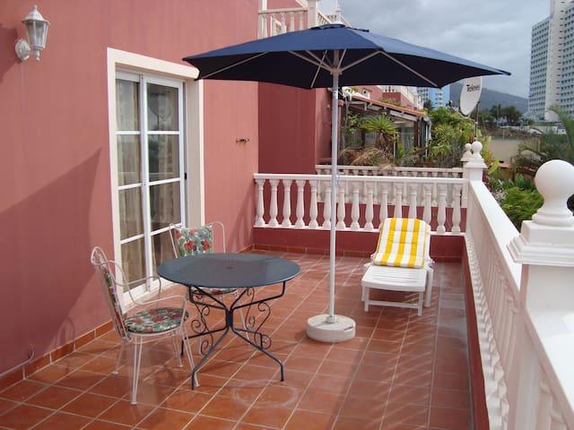 Wonderful apartment near the beach and Loro Parque