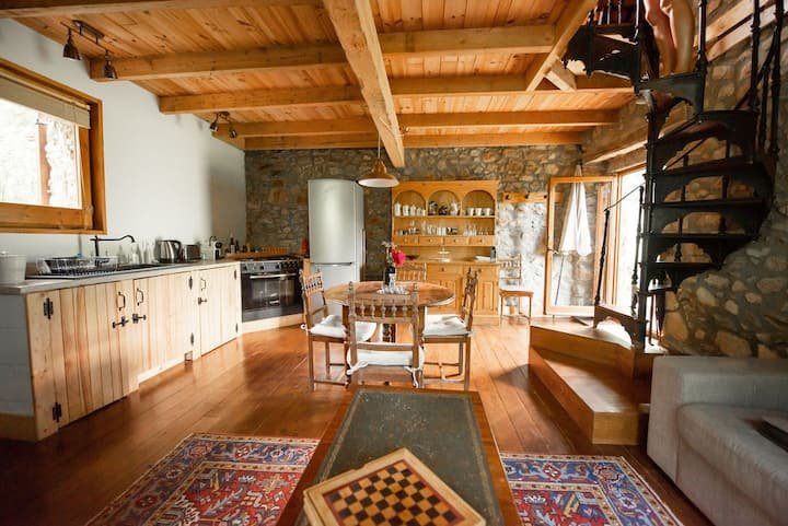 Luxury cottage with pool access - La Bergerie