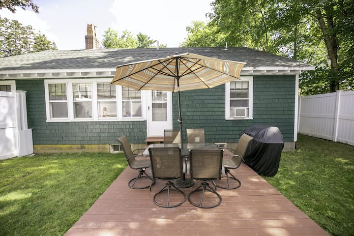 Updated, Century-Old Home w/ Glass Porch & Fireplace - Walk into Town/Acadia!