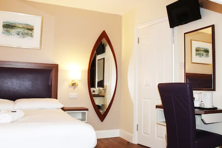 The Perfct Short Term Rental - Galway City Centre