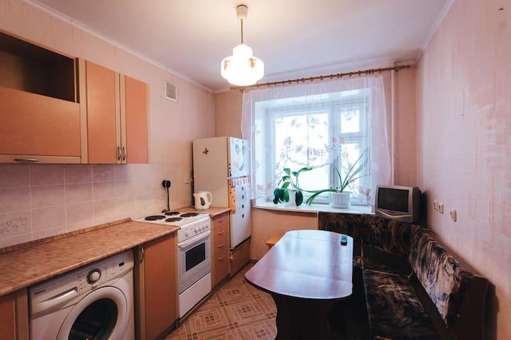 Aпартаменты 2-К на Ленинградской, 115 - ボログダ