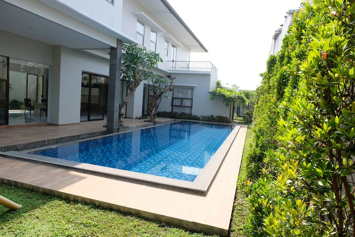 HUGE SETIABUDHI REGENCY VILLA  TWO WITH POOL 720M2
