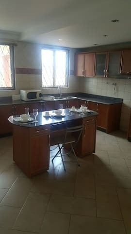 Fully firnished Apartment in Muyenga, Bukasa