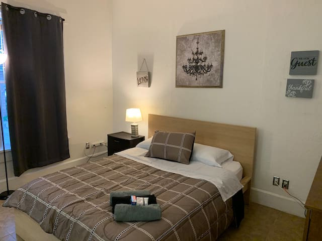 DT St Pete 2nd st n unit. wk/mo rates available!