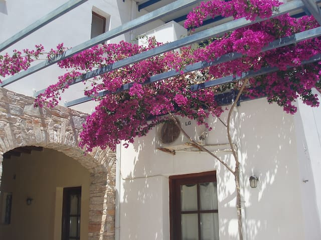 Aithrio (3rd room double) - Siros - Bed & Breakfast