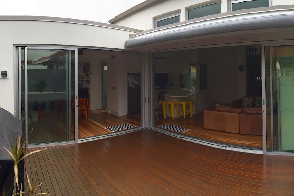 Open plan kitchen, living, dining and outdoor entertainment area.