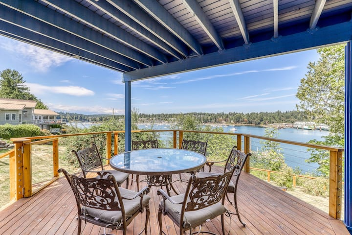 Spacious, waterfront home w/ 2 decks overlooking the bay and marina