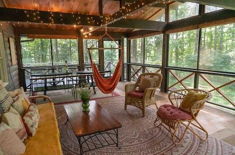 Stunning Modern Cabin w WiFi near Shenandoah Park