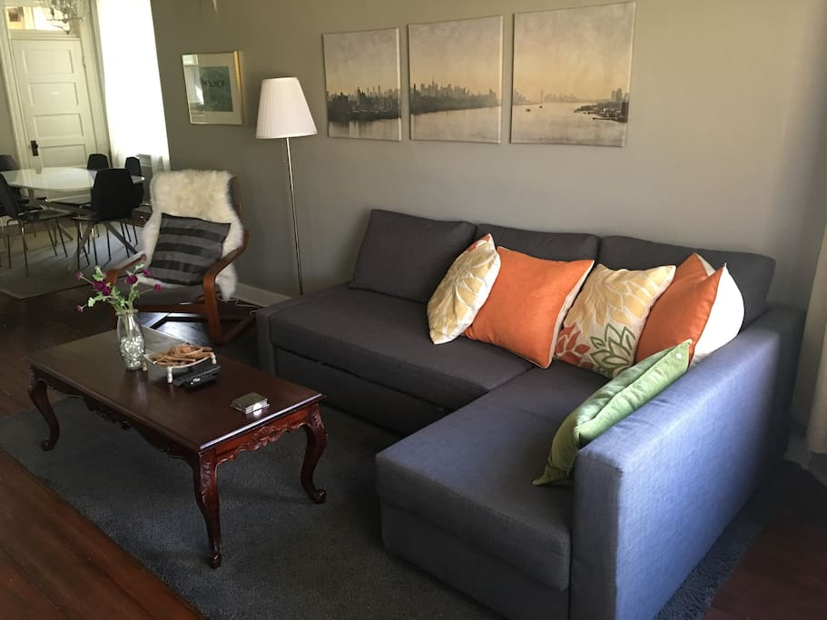 Living room with pullout couch.