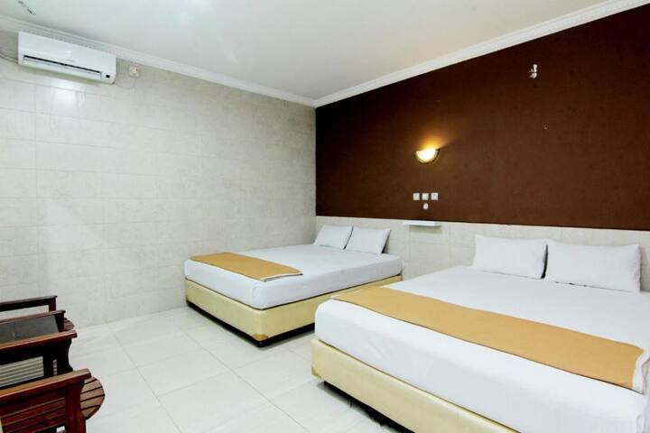Cozy Family Room at Hotel Safara Yogyakarta