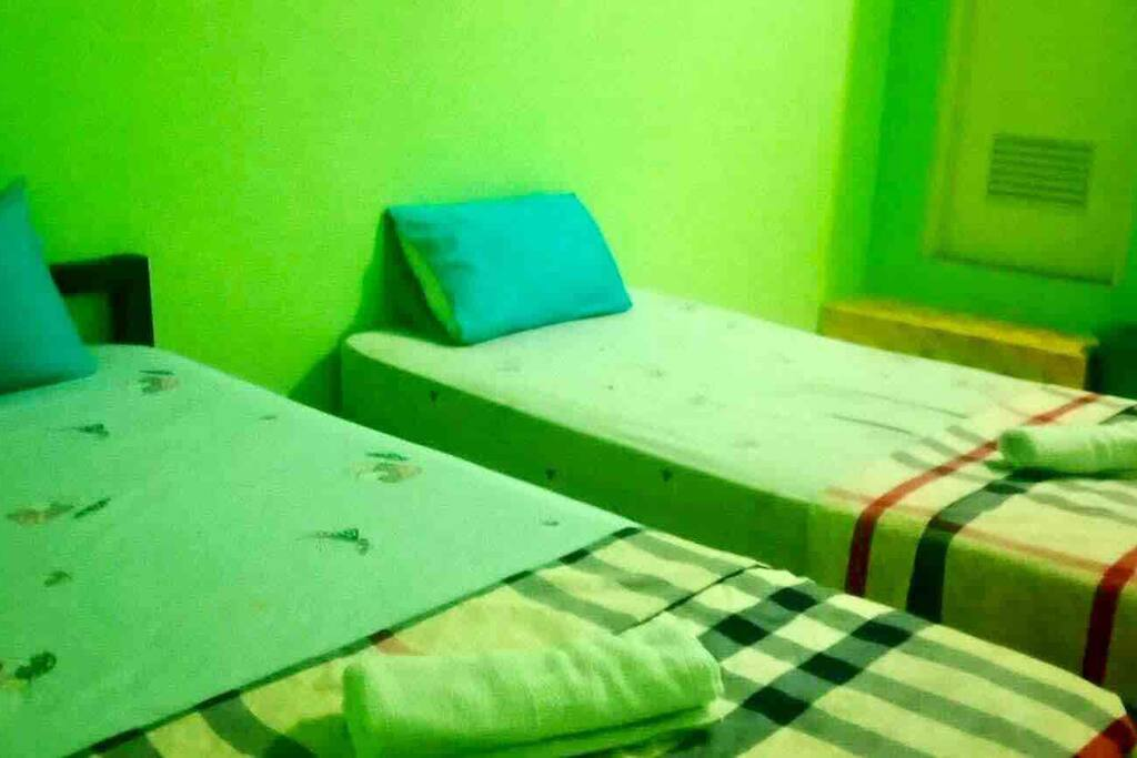 Standard Room B - 2 Single Beds