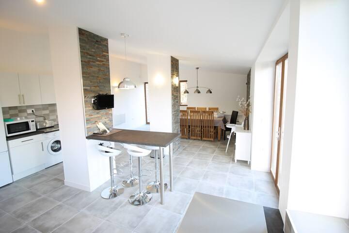 CHUI GITE - Newly renovated, spacious & elegant