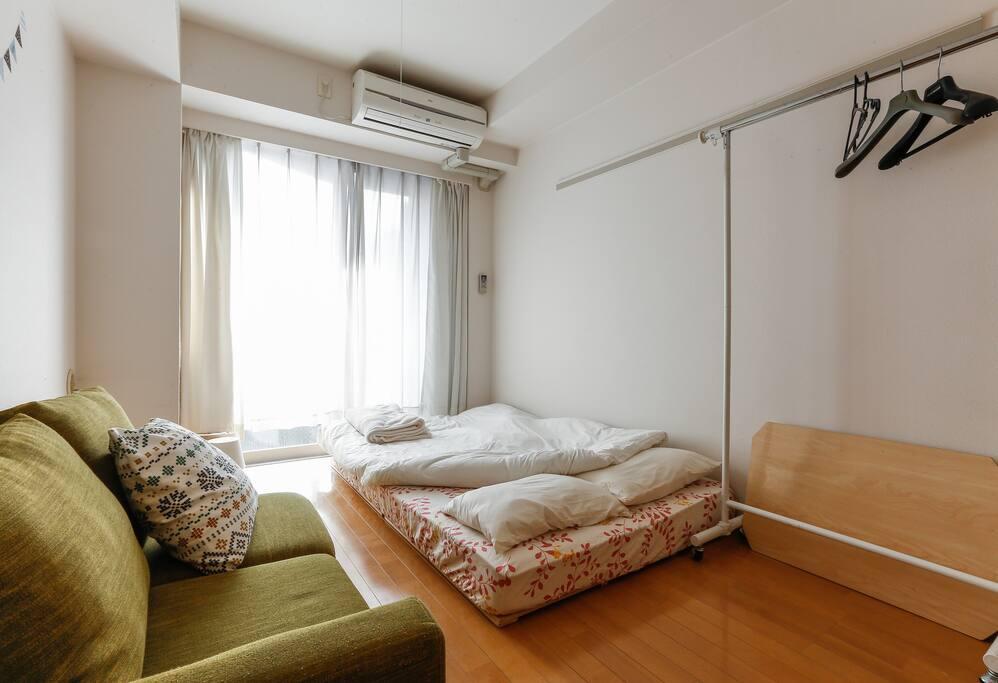three-quarter bed(195×120cm each)