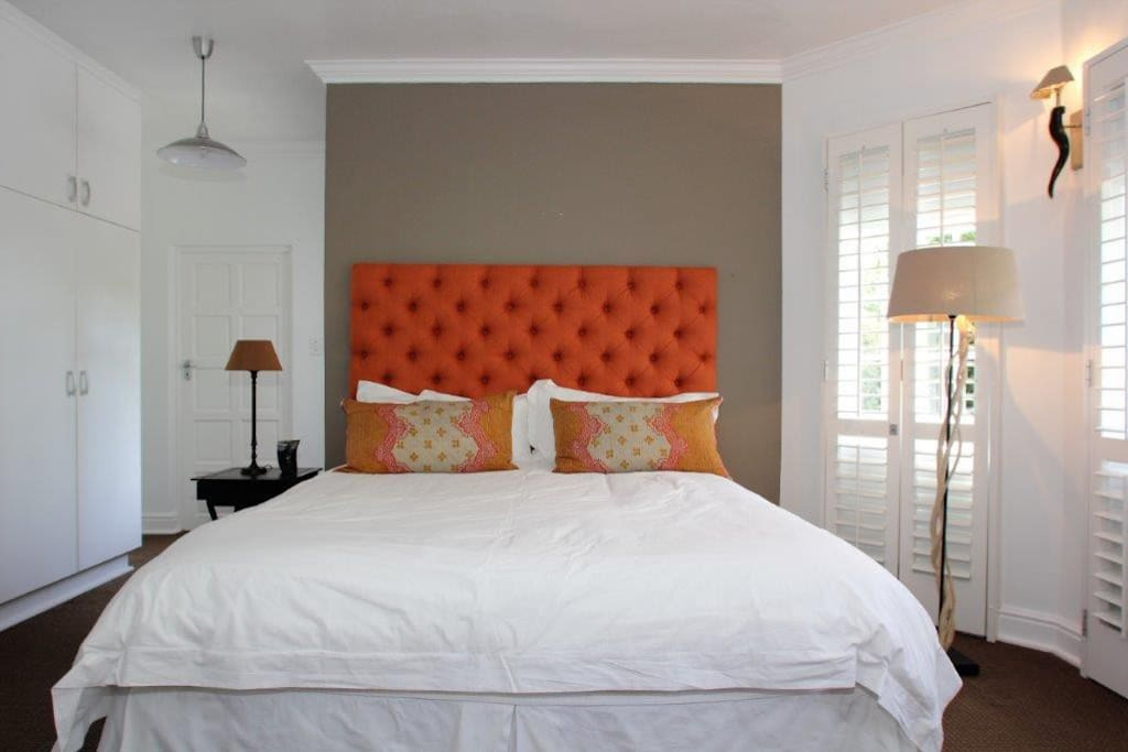 Guestroom with Kingsize Bed