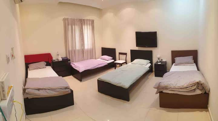 Bed-space in a clean flat near 2 Metro and Airport