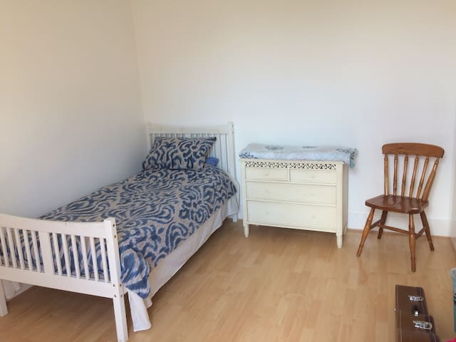 Large Single Bright Room in the Heart of Windsor