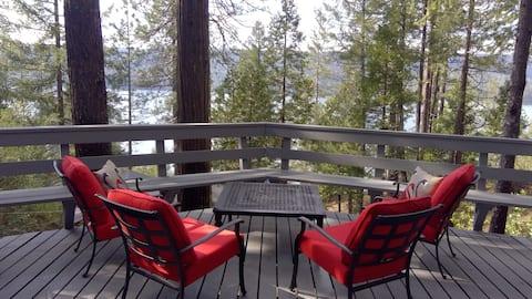 Уютная каюта с потрясающим видом на озеро