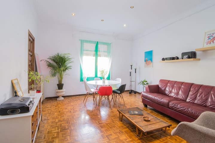 Cozy double room in the heart of Barcelona - Barcelona - Byt