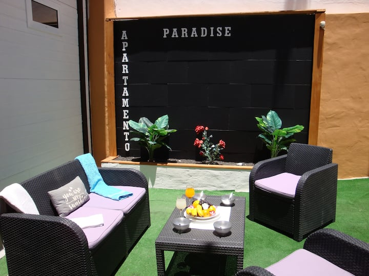 """PARADISE APARTMENT"" ( 1 minute from the beach)"