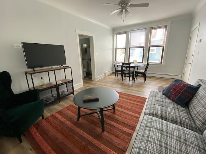 Old School - Furnished Extended Stay, Pets OK