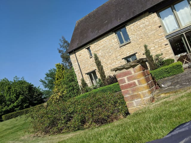 Farm Stay nr Silverstone & Hinton