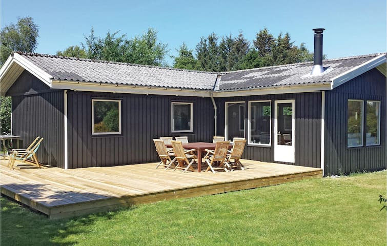 Holiday cottage with 3 bedrooms on 76m² in Gilleleje