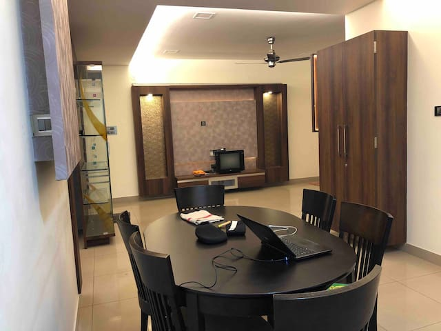 Exclusive fully furnished stay for upto 8