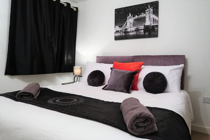 Phoenix Nights - Luxury One Bedroom Apartment