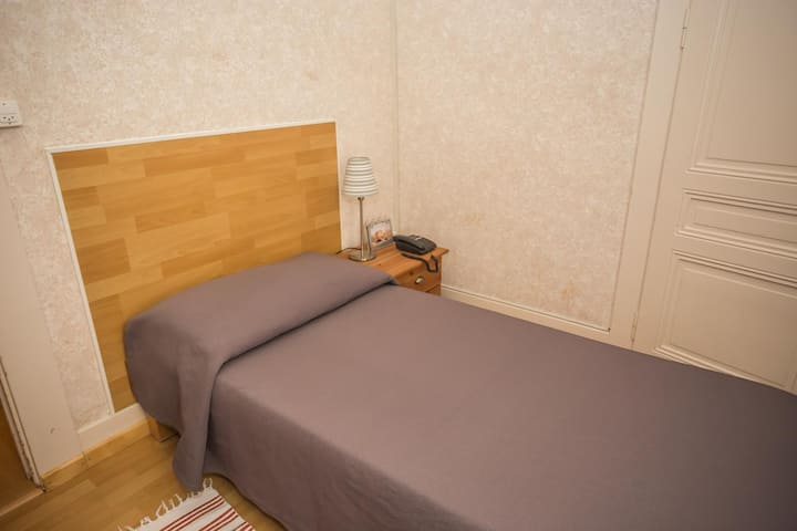 Chambre individuelle avec douche et WC