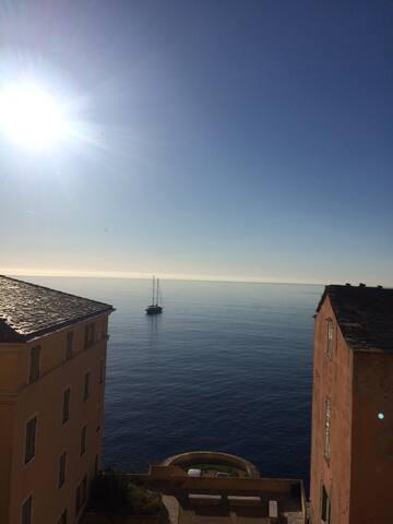 Très bel appartement vue mer dans la citadelle - Bastia - Apartmen