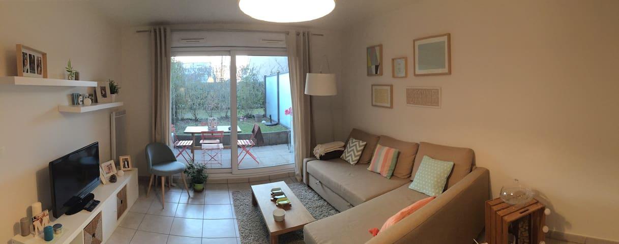 Bel appartement proche lyon bron appartements louer - Location appartement bron ...