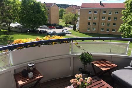 Koselig ettroms på Etterstad, med stor balkong.