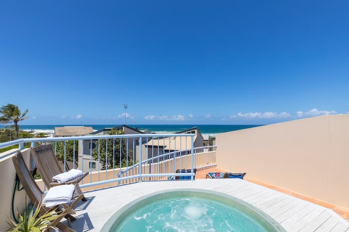 Beachside with Exclusive Private Rooftop Jacuzzi