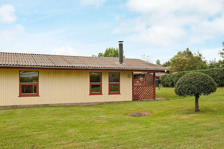 Lovely Cottage in Ronde Jutland with Kids Playground