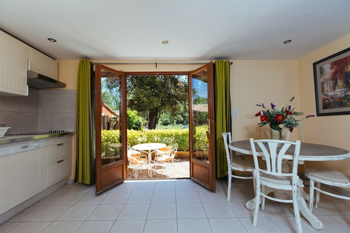 Montand - Your private home away