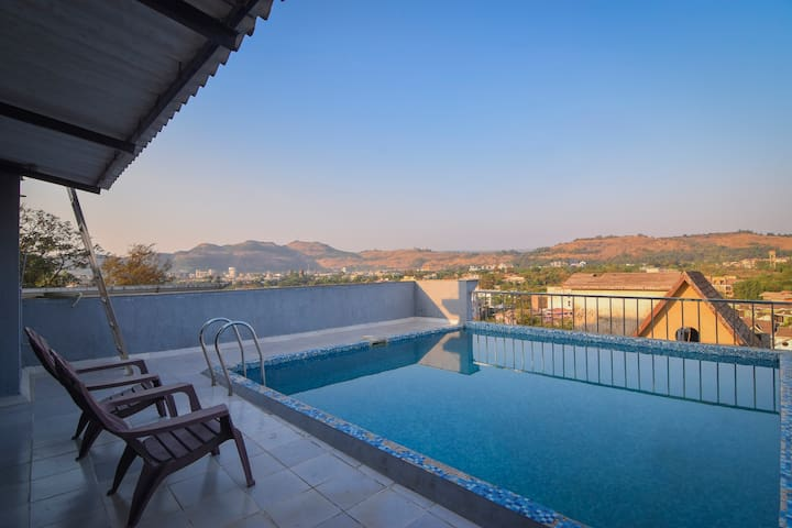 Skyfall villa : Pool  on terrace with views