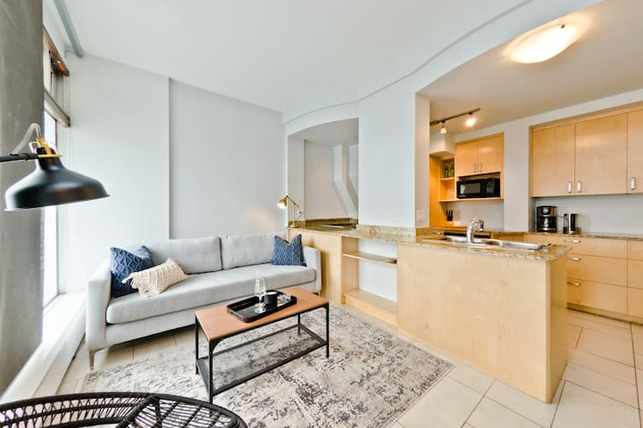Super Sweet Studio close to 17ave and Downtown