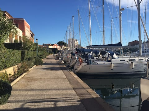 Marina apartment in the Saint Tropez Bay