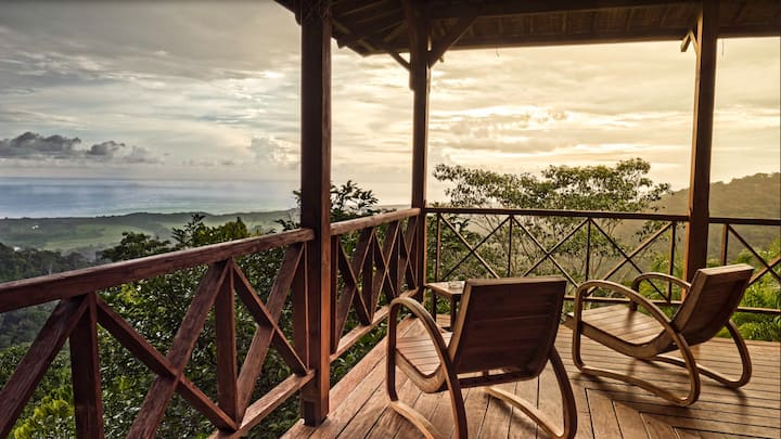 Unbelievable 160 Year Old Bali Potoo Home w/ Spa